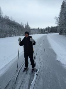 Reijo Räisänen on lähtenyt luistelemaan Ahvenlammelle.