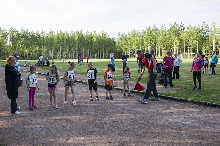 Juoksukilpailussa kaikille riitti sarjoja