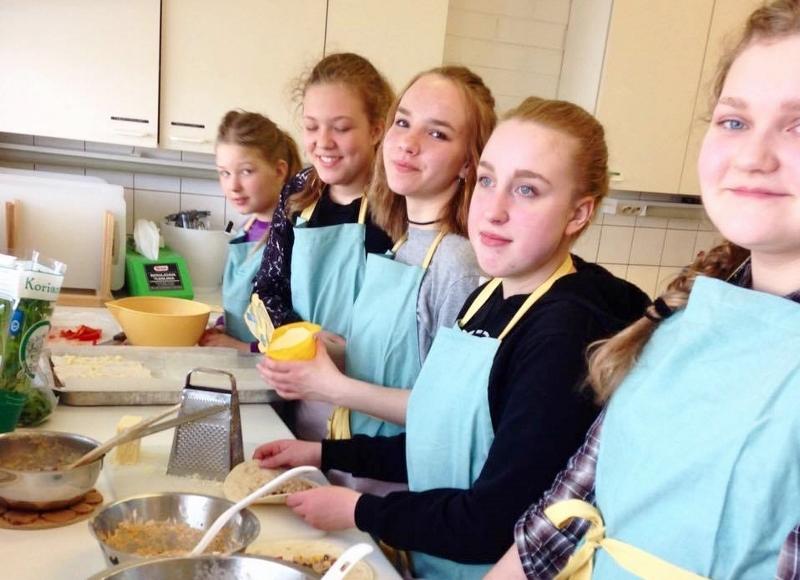 Lapset kokkaavat Jäppilässä sunnuntaina
